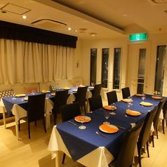 当店のディナーは10名様より貸切が可能です!会社でのご宴会・取引先との会食・結婚式の2次会等にぴったりな店内空間♪
