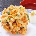 寿司だけでなく旬な食材をふんだんに使用したアラカルトも人気です。刺身や桜海老のかき揚げ等お酒と一緒にお楽しみ頂けるメニューも各種ご用意してお待ちしておりますl。