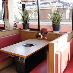 4名様でご利用いただけるテーブル席です
