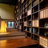別館は、ゆっくりお寛ぎいただけるソファー席をご用意しております。天井も高い空間となりますので、自分だけの空間を楽しむことができます。