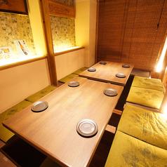 掘りごたつ個室・オープンのテーブル席とご用意しております