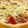 料理メニュー写真山のピザ