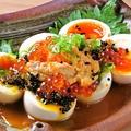 料理メニュー写真卵の痛風盛り~煮卵・ウニ・いくら・とびっこ~