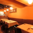 【テーブル席:6名席×1/4名席×2】クロスもお皿も夏らしく…地下洞窟空間でサマーパーティを★