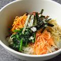 料理メニュー写真ビビンバ(小スープ付)