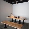 広々と使える4名様用のテーブル席