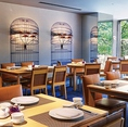 最大40名様まで対応可能な広々としたオシャレ空間。大人数での宴会はもちろん二次会などの華やかなシーンや、大切なゲストを迎えての会食など特別な日のお食事にも最適。
