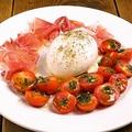 料理メニュー写真ブラータチーズのカプレーゼ