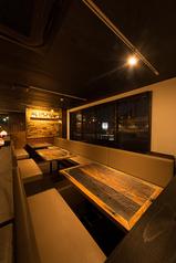 4名様テーブルが3つ6名様テーブルが1つ最大で19名様まで宴会可能なテーブル席