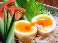料理メニュー写真地鶏卵キムチ漬け