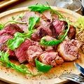 料理メニュー写真ガッツリ4種のお肉の1ポンド肉盛りプレート