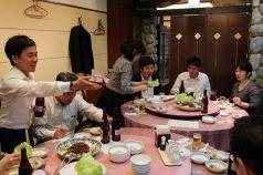 中華ならではの円卓個室!大きな窓からは広島駅側が見渡せます。最大16名様までゆったり宴会できますので、会社宴会や家族の慶弔事などにもどうぞ!