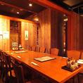 接待や懇親会におすすめの最大10名様のテーブル個室です。周囲を気にしないプライベート空間はビジネスシーンにもおすすめです。
