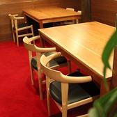 2階のテーブル席ではデート・記念日などに。テーブル席は2名様~4名様でご利用いただけます。