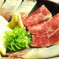 料理メニュー写真鯨刺し盛り合せ(ベーコン・さえずり・うね)