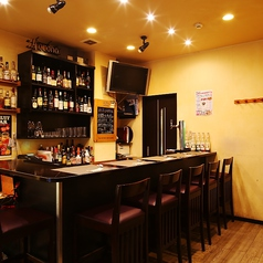 バーカウンターでは世界各国のお酒をご用意しております!!お好みのお酒をお楽しみください♪深夜タイムはバーにもピッタリです!