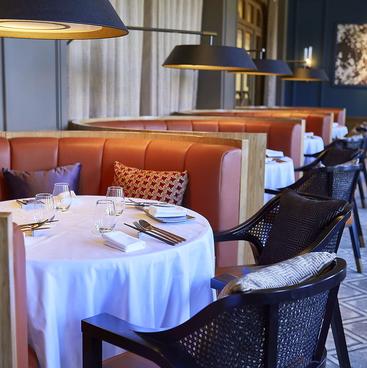 Restaurant RASPBERRY with MOON BAR レストラン ラズベリー ウィズ ムーンバーの雰囲気1