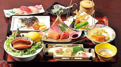 有明の幸と地産素材にこだわった和風海鮮居酒屋! 四季のお料理を お楽しみください。