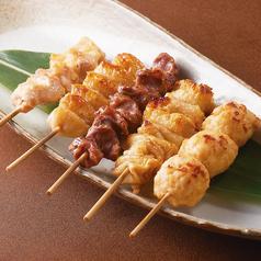 料理メニュー写真やきとり串盛り合わせ(5串)(塩・タレ)