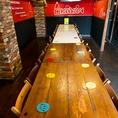 テーブルをつなげて大人数でのご宴会も可能です
