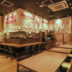 肉焼 ベンジャミン 博多 駅から三百歩横丁店の雰囲気2