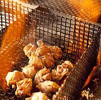 噛めば噛むほど味が出る。こだわり親鳥の炭火焼