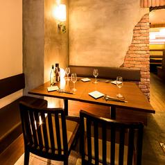 様々な人数に対応可能なお席を完備しております。武蔵小杉での飲み会なら当店にお任せ下さい。2名様からご利用可能な快適なお席にご案内致します。宴会、飲み会、女子会にもピッタリ!