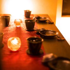 ご接待、ご会食、デートでのご利用のお客様にも少人数でご利用頂ける個室席をご用意致します。記念日のプライベートなお時間にも最適です。