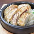 料理メニュー写真本気の鉄板焼き餃子(6個)