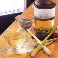 タイ料理にも使用する華やかな香りのレモングラス