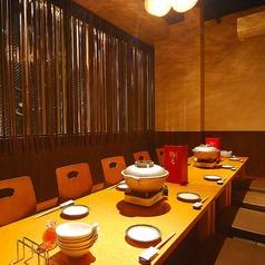 3階のお座敷席。2卓繋げて12名前後の完全個室に。座卓を2本並べたら、14名様まで対応できます。