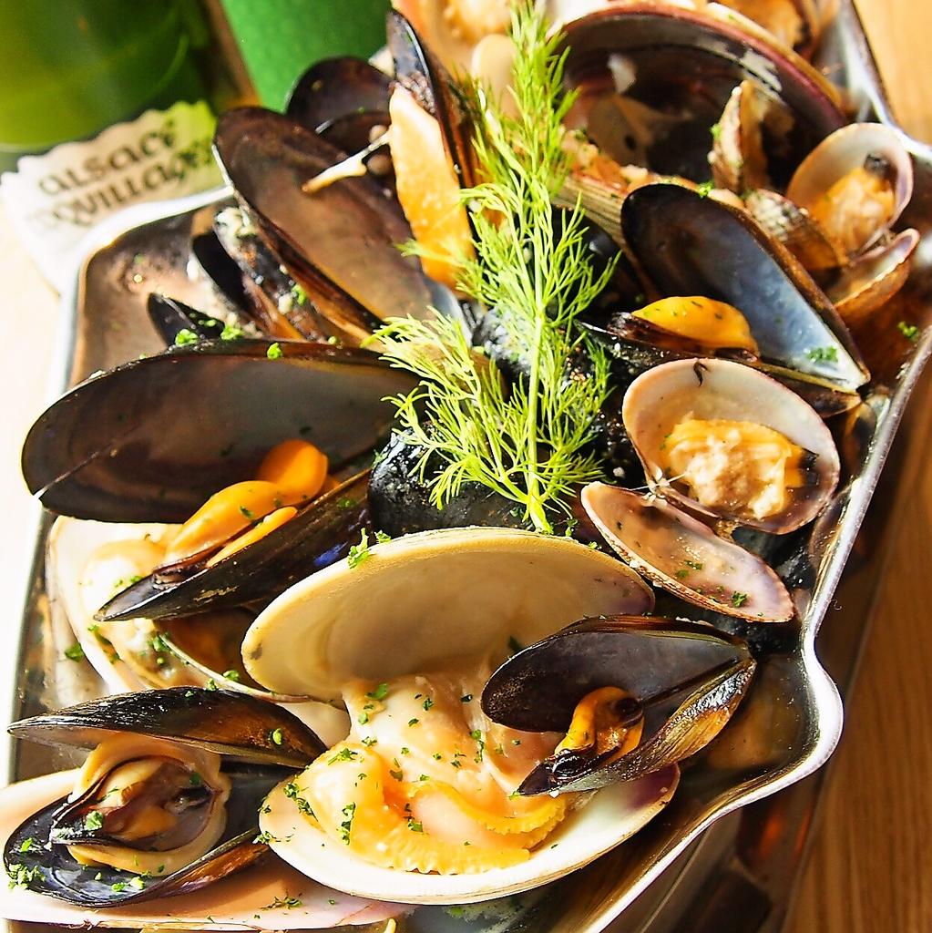 新鮮な鮮魚を贅沢にカルパッチョに盛り合わせて提供♪素材と調理法はお客様のお好みで!