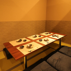 【4~6名様お座敷個室】会社の同僚やお仲間同士での宴会、飲み会も大歓迎!ご宴会コースでのご利用はもちろん、アラカルト注文でのご利用でも、個室へご案内可能です。