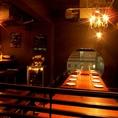 優しいシャンデリアの光灯るテーブル席は最大で14名様迄ご利用頂けます。