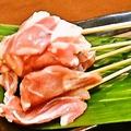 料理メニュー写真【人気串ランキング5位】鶏モモ肉。鶏肉もさっぱりとしていておススメ♪
