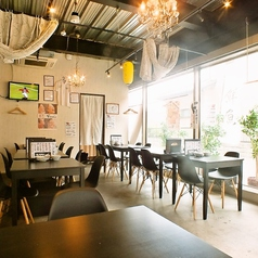 4名席を中心に開放的な店内です!会社宴会や、打ち上げ、2次会も大歓迎!