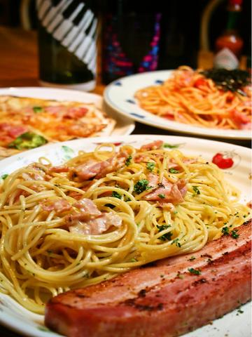 ボリュームたっぷりのスパゲッティ(30種類)が食べられるお店。