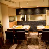 【6名~8名様テーブル席】会社宴会や団体様でのご宴会にもお席のご用意可能です!広々とした空間でゆったりと、疲れを癒すひとときを…♪
