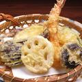 料理メニュー写真加賀野菜天ぷら盛合せ