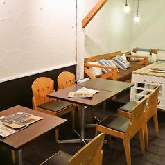 ビーチサイドキッチンバル ALOHOUSE アロハウスの雰囲気1