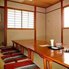 【2F】2Fのお席は、ふすまで仕切れる座敷席です。お子様連れのお客様や、宴会をご利用の方にはこちらのお席がぴったり。