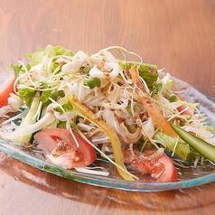 島豆富とミミガーの胡麻サラダ