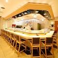 目の前で調理風景が見える迫力のカウンター席は、カウンター限定でお寿司食べ放題コースもご用意しております♪
