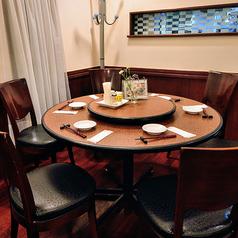 1名様よりご利用いただけます。テーブル同士を合わせてのグループ利用も可能です。