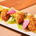料理メニュー写真広島県産ジャンボ牡蠣フライ ~自家製しば漬けタルタルソース~ (1個)