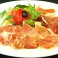 料理メニュー写真ハモンセラーノ(スペイン産生ハム)