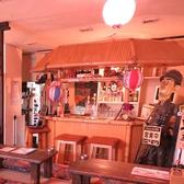 常連様に人気なカウンター席は沖縄の雰囲気満点★