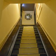 各階から見えない階段