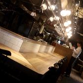 活気あるカウンター席では目の前で調理の様子も見られます♪カウンターは2名様以上でもご利用頂けます!お気軽にどうぞ★