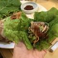 料理メニュー写真味付サムギョプサル(サンチュ付き)